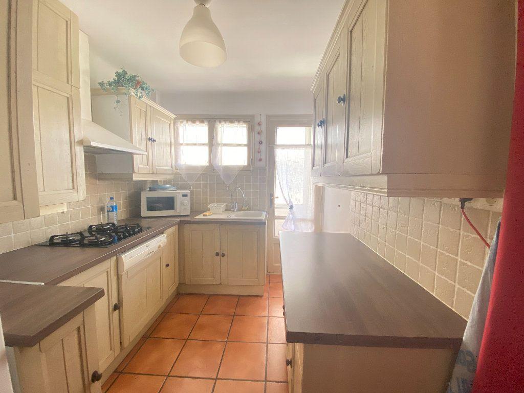 Appartement à vendre 4 68m2 à Toulon vignette-4