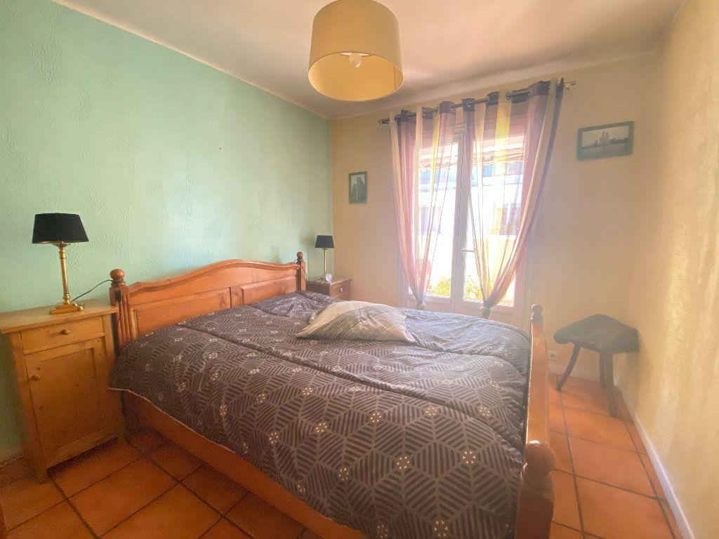 Appartement à vendre 4 68m2 à Toulon vignette-6