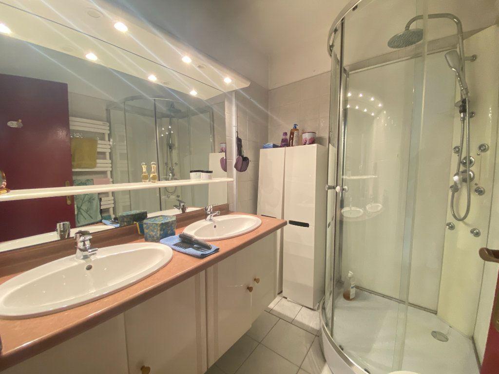 Appartement à vendre 4 68m2 à Toulon vignette-7