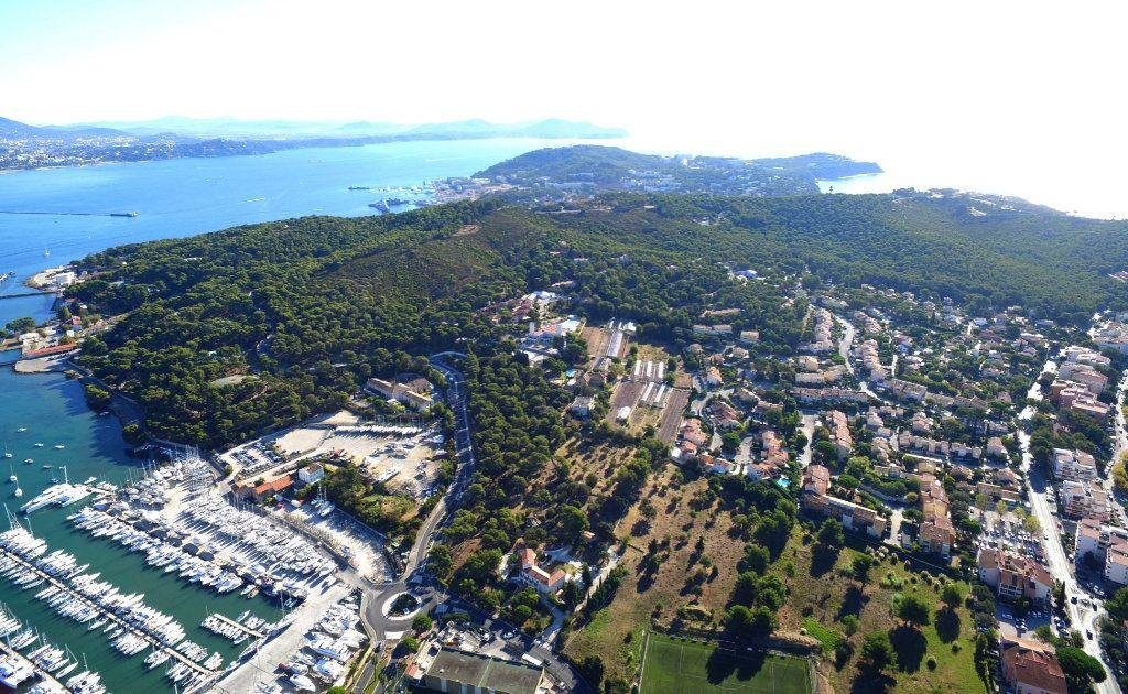 Appartement à vendre 3 74m2 à Saint-Mandrier-sur-Mer vignette-2