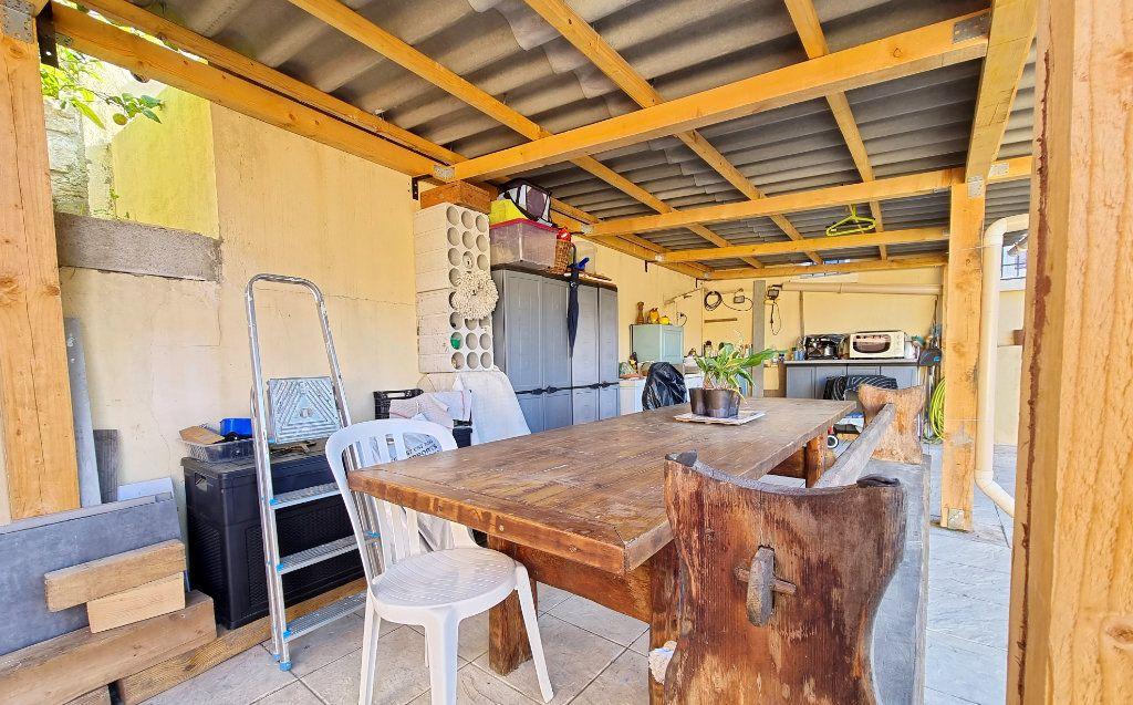 Appartement à vendre 3 69m2 à La Seyne-sur-Mer vignette-2