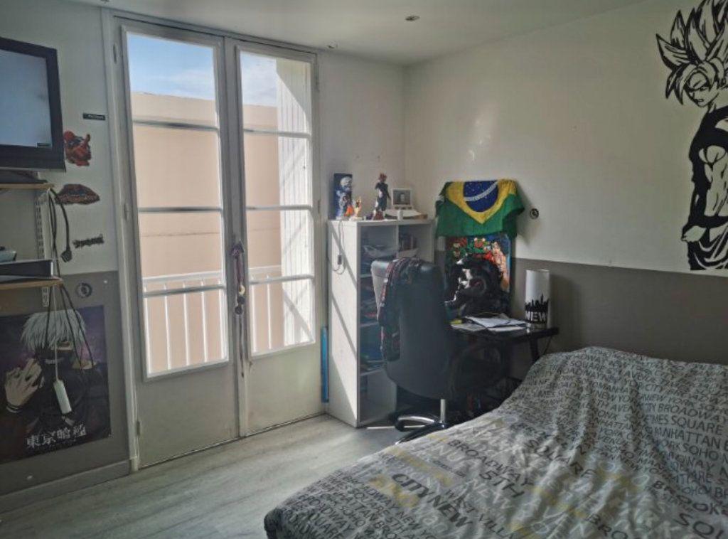 Appartement à vendre 4 76m2 à La Seyne-sur-Mer vignette-6
