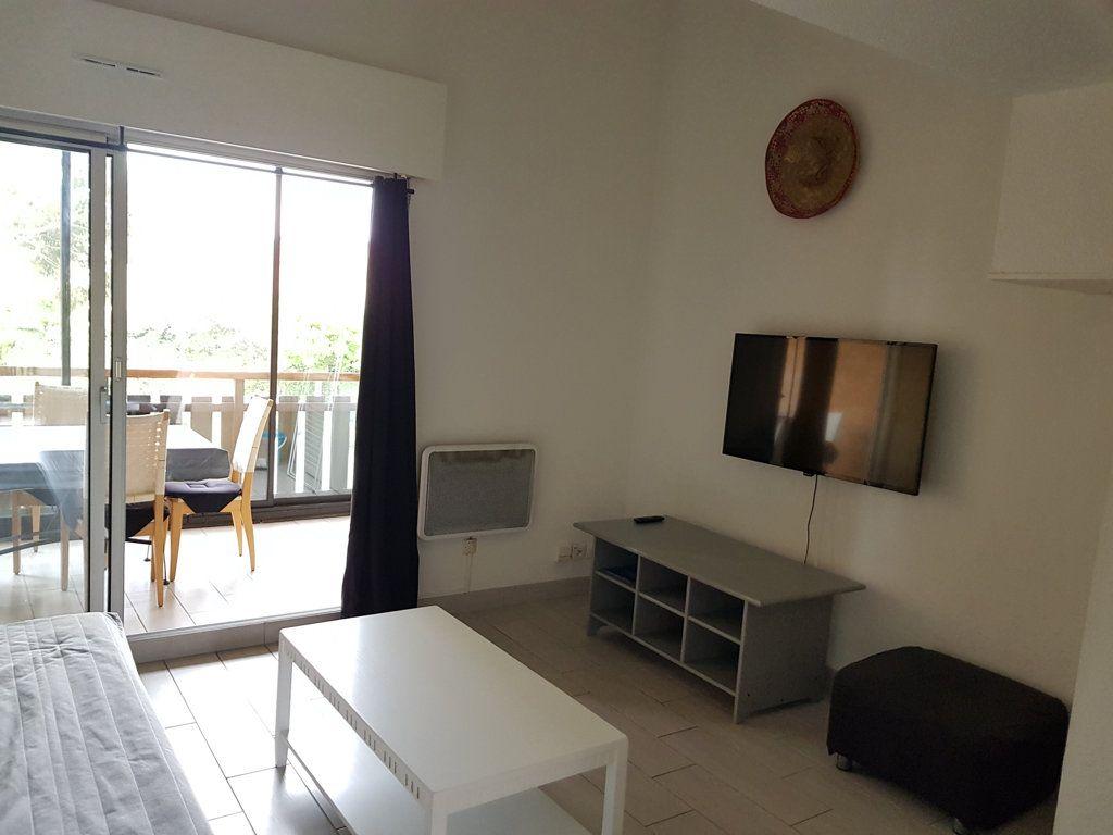 Appartement à vendre 3 40m2 à La Seyne-sur-Mer vignette-1