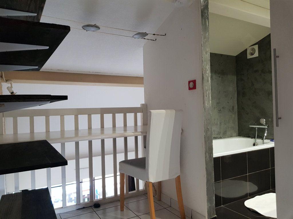 Appartement à vendre 3 40m2 à La Seyne-sur-Mer vignette-6