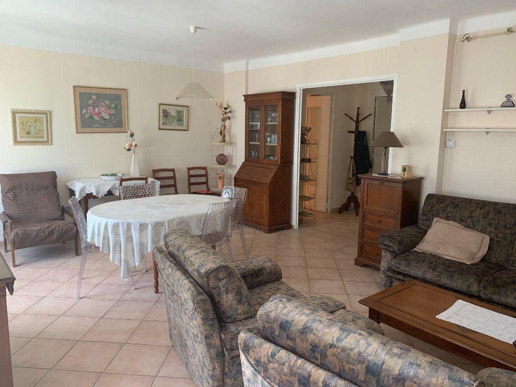 Appartement à louer 3 71m2 à Toulon vignette-1