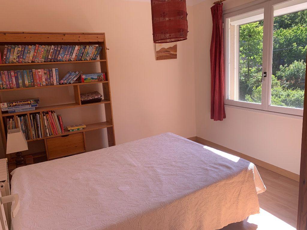 Appartement à louer 3 71m2 à Toulon vignette-4