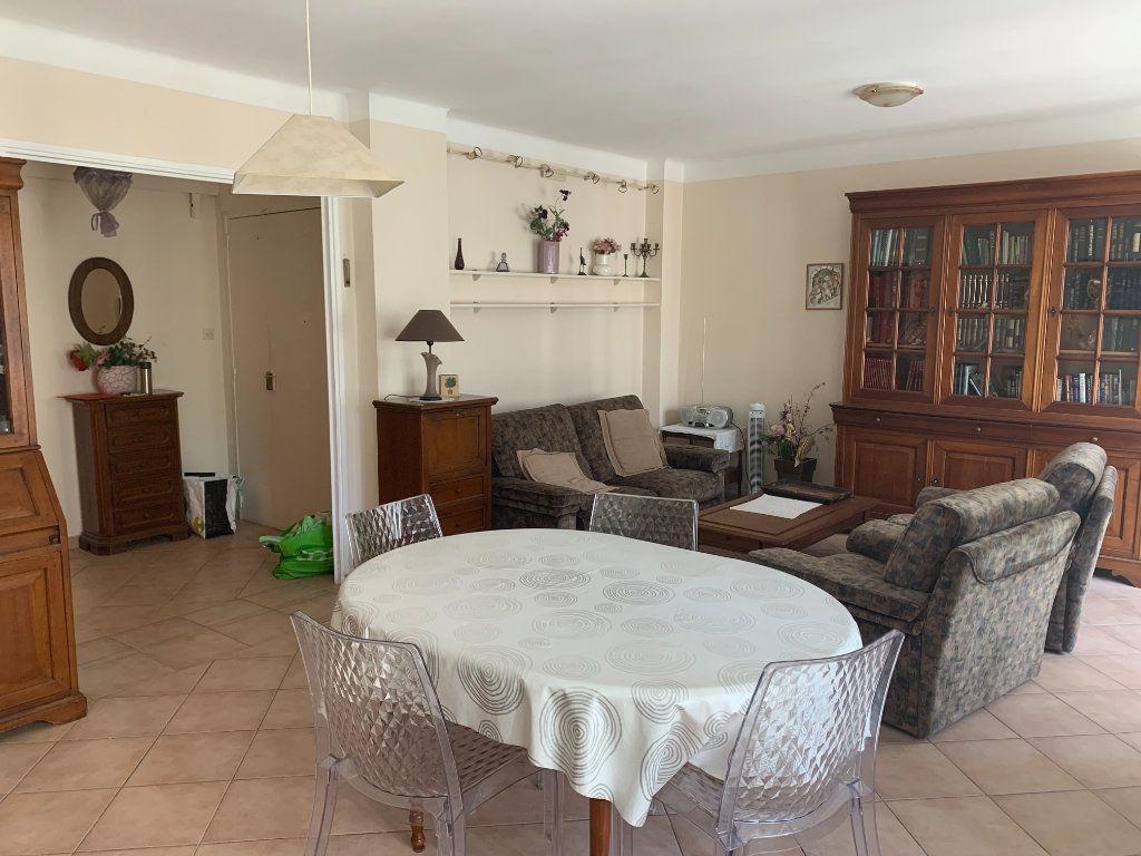 Appartement à louer 3 71m2 à Toulon vignette-5