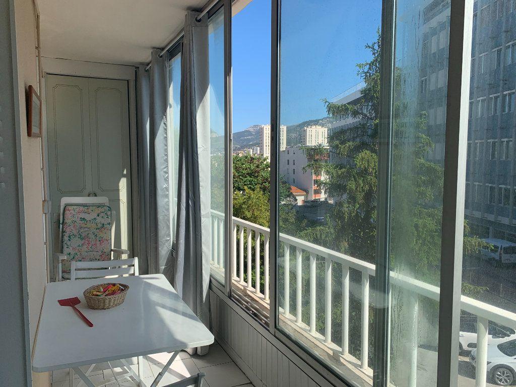 Appartement à louer 3 71m2 à Toulon vignette-7