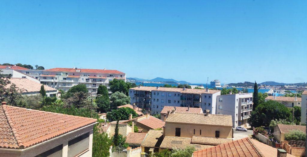 Appartement à vendre 3 75m2 à La Seyne-sur-Mer vignette-1