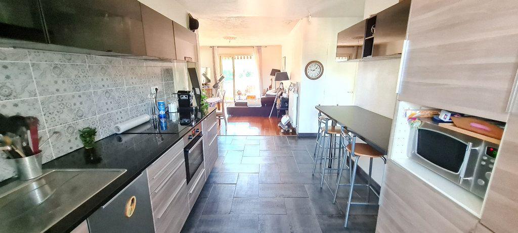 Appartement à vendre 4 82m2 à La Seyne-sur-Mer vignette-1