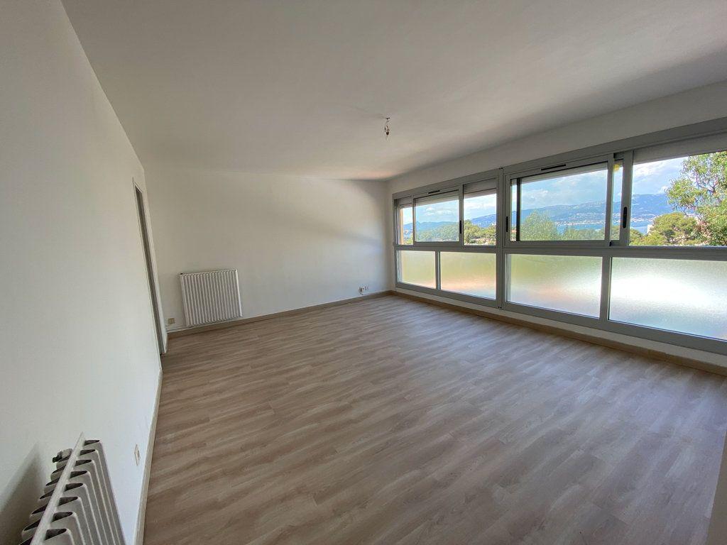 Appartement à vendre 4 85m2 à Saint-Mandrier-sur-Mer vignette-4