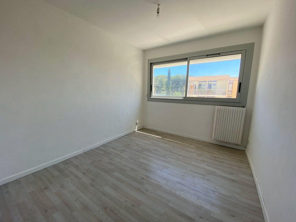 Appartement à vendre 4 85m2 à Saint-Mandrier-sur-Mer vignette-5