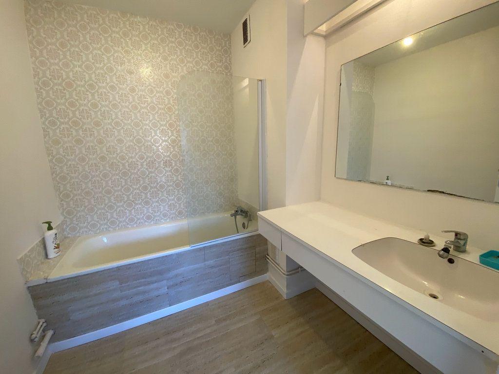 Appartement à vendre 4 85m2 à Saint-Mandrier-sur-Mer vignette-6