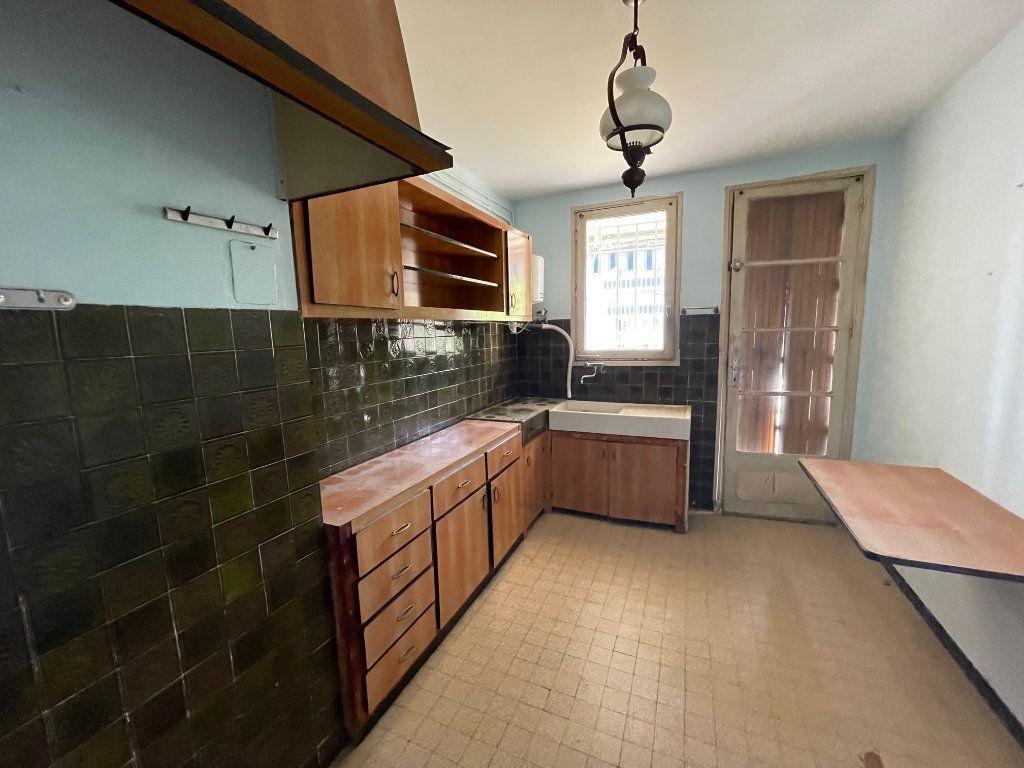 Appartement à vendre 3 63m2 à La Seyne-sur-Mer vignette-3