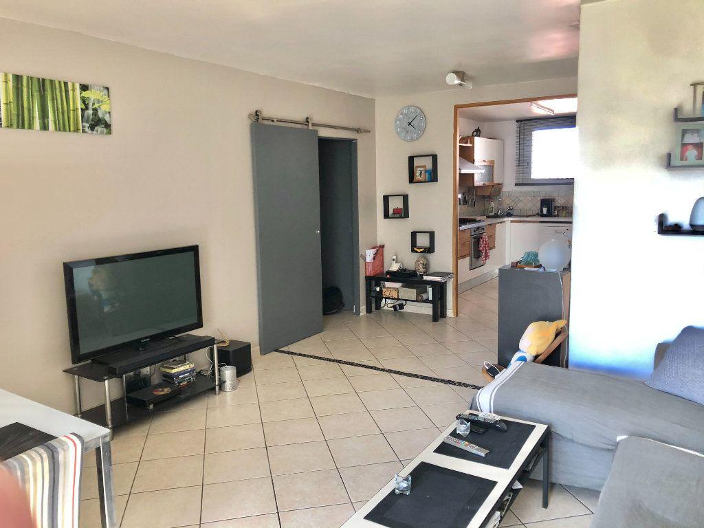 Appartement à vendre 4 77m2 à La Seyne-sur-Mer vignette-1