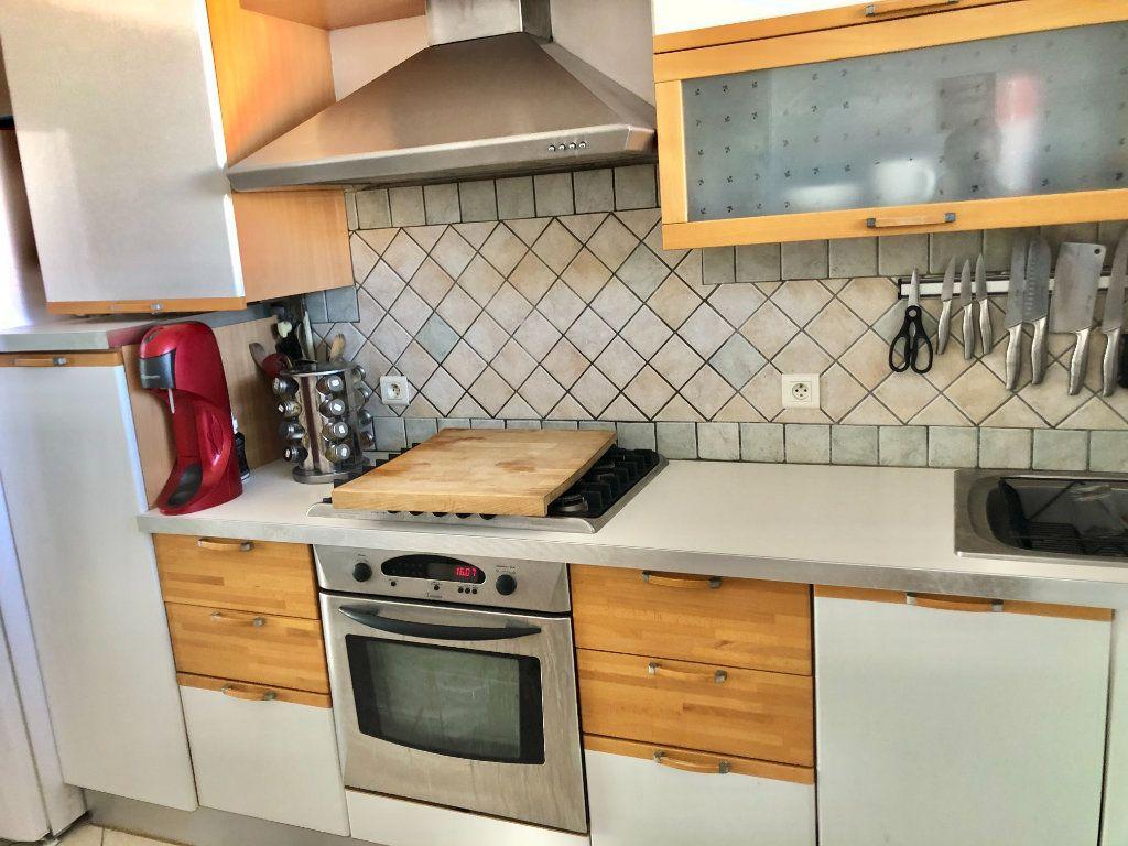 Appartement à vendre 4 77m2 à La Seyne-sur-Mer vignette-4