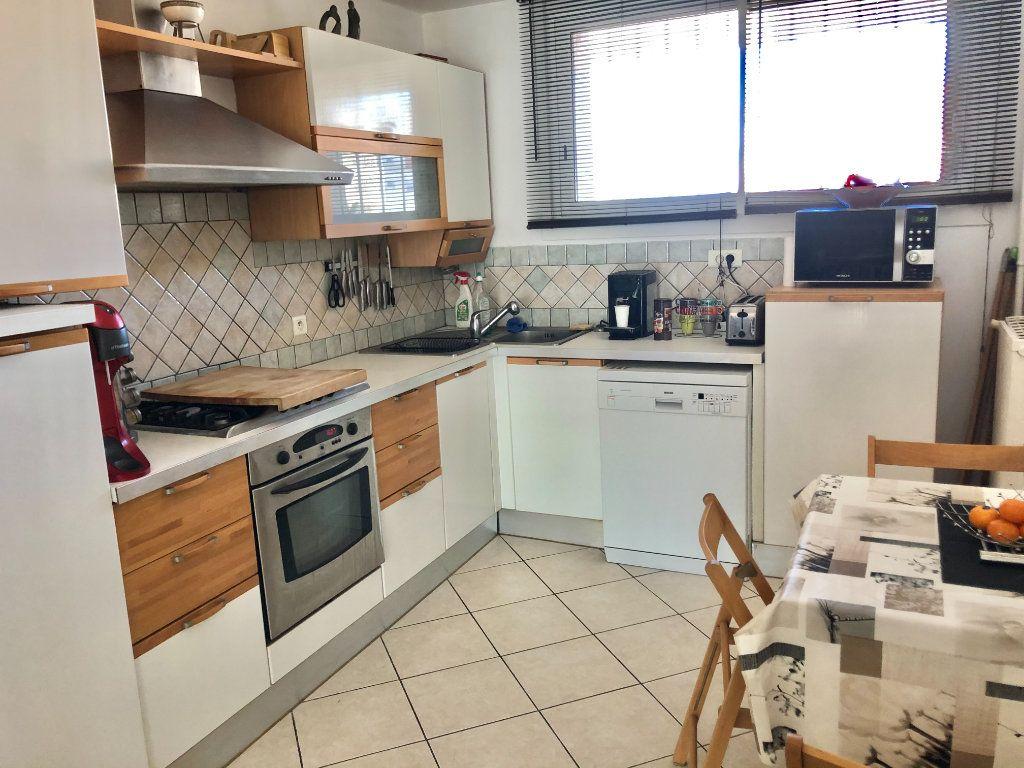 Appartement à vendre 4 77m2 à La Seyne-sur-Mer vignette-5