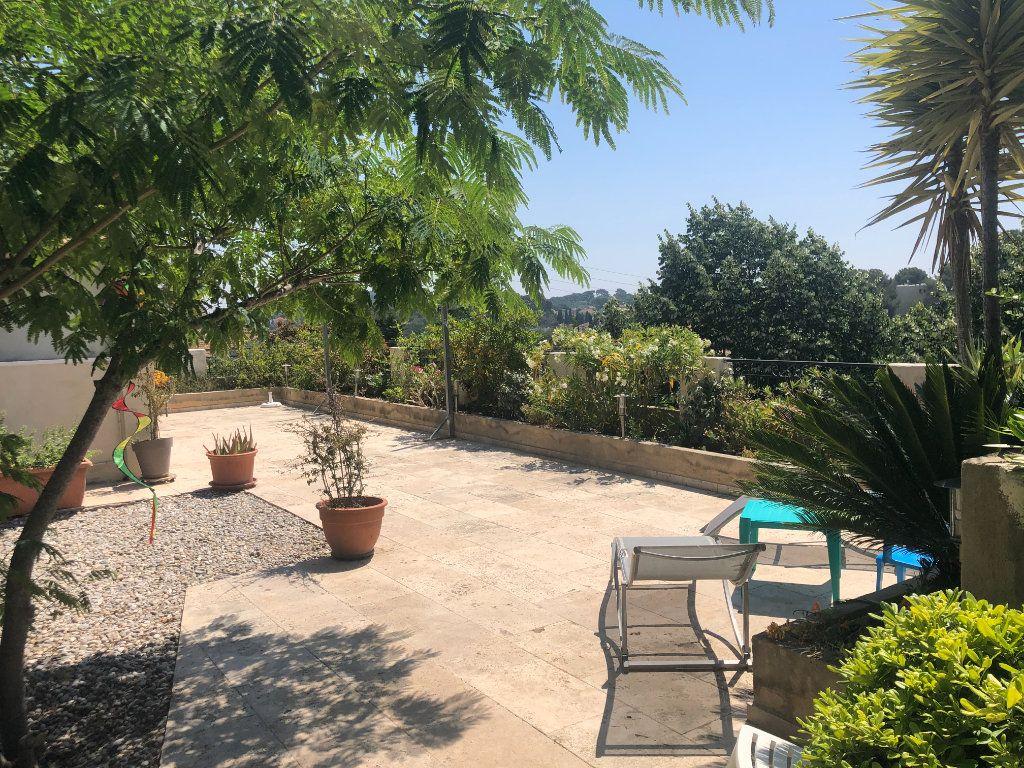 Appartement à vendre 4 108m2 à La Seyne-sur-Mer vignette-2