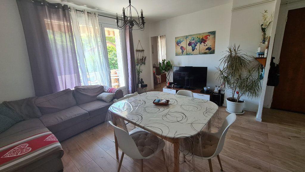 Appartement à vendre 4 70m2 à La Seyne-sur-Mer vignette-4