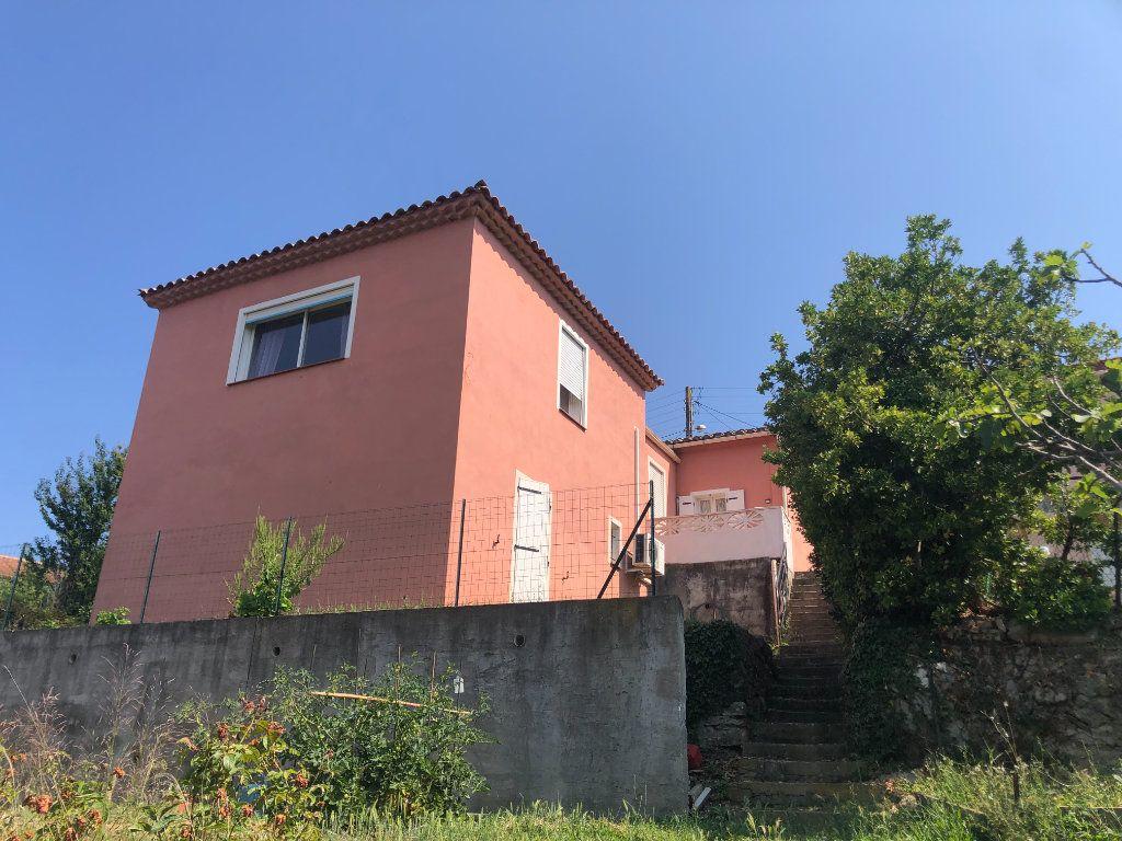 Maison à vendre 5 140m2 à La Seyne-sur-Mer vignette-1