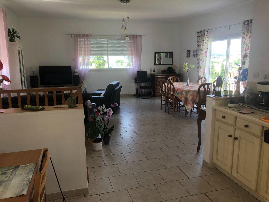 Maison à vendre 5 140m2 à La Seyne-sur-Mer vignette-3