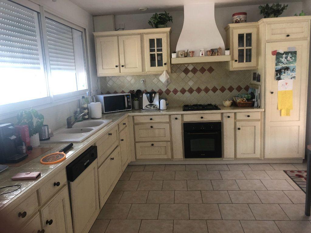 Maison à vendre 5 140m2 à La Seyne-sur-Mer vignette-4