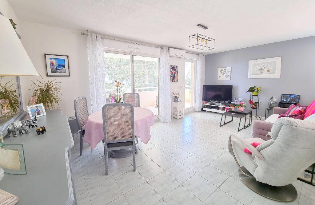 Appartement à vendre 3 73.6m2 à La Seyne-sur-Mer vignette-3