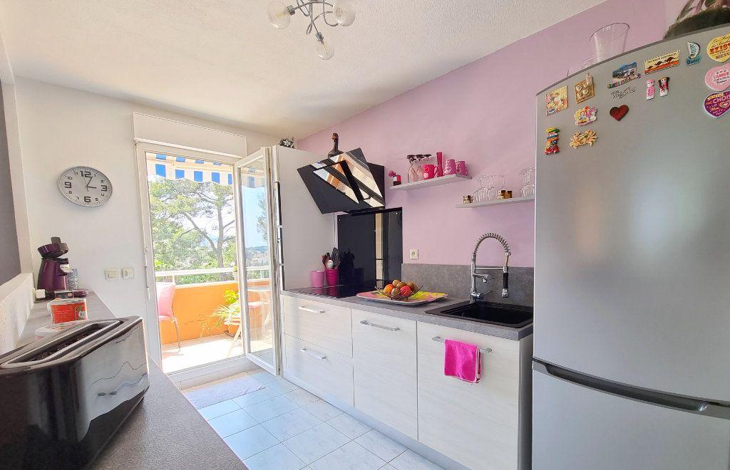 Appartement à vendre 3 73.6m2 à La Seyne-sur-Mer vignette-4