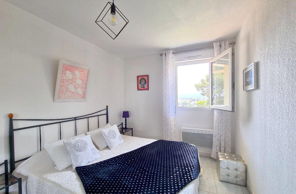 Appartement à vendre 3 73.6m2 à La Seyne-sur-Mer vignette-5