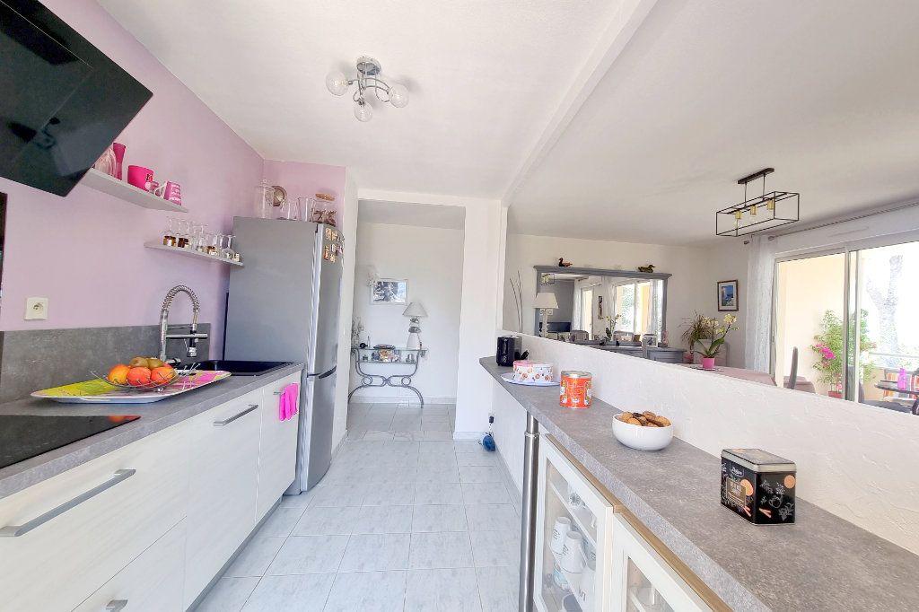 Appartement à vendre 3 73.6m2 à La Seyne-sur-Mer vignette-8