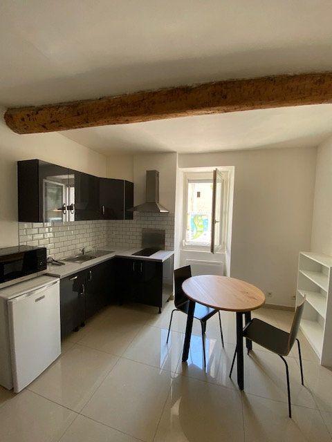Appartement à louer 1 23m2 à Toulon vignette-1
