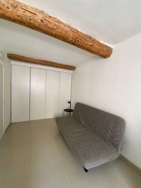 Appartement à louer 1 23m2 à Toulon vignette-4