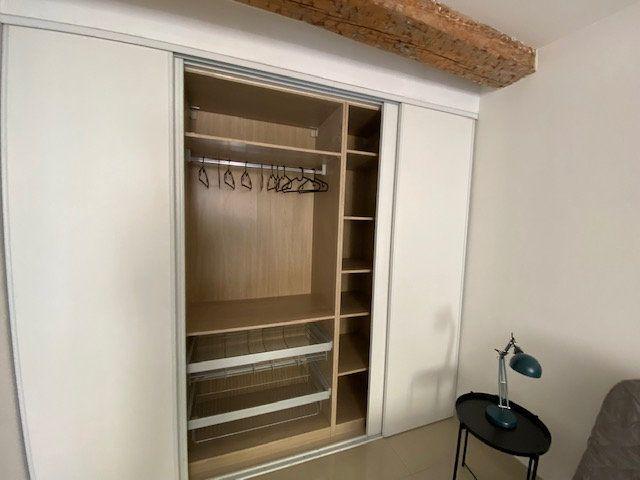 Appartement à louer 1 23m2 à Toulon vignette-5