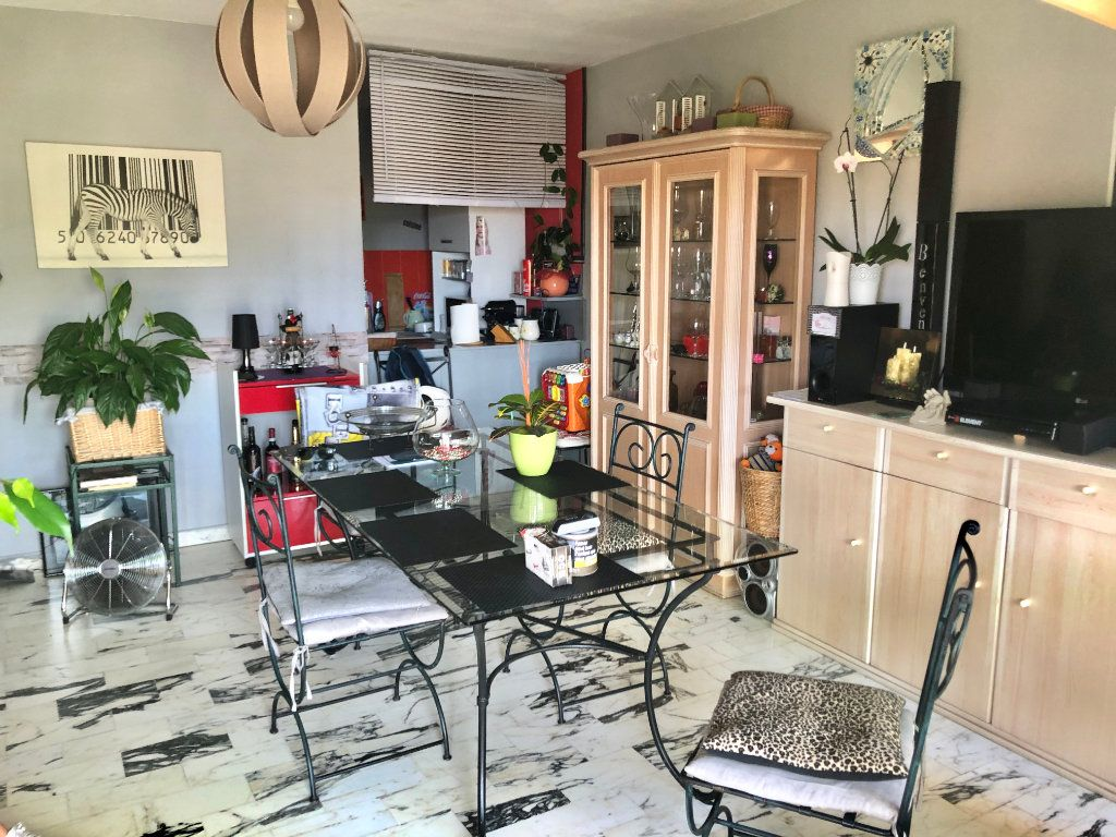 Appartement à vendre 2 58m2 à Saint-Mandrier-sur-Mer vignette-2