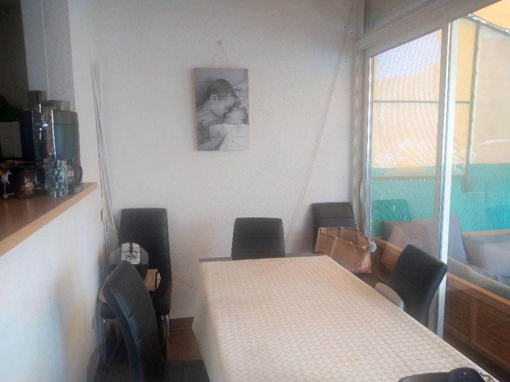 Appartement à vendre 3 50m2 à Saint-Mandrier-sur-Mer vignette-3