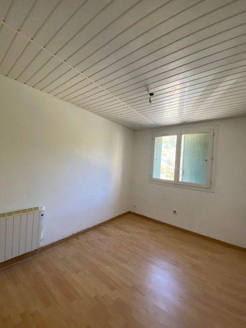 Appartement à louer 3 60m2 à La Seyne-sur-Mer vignette-7