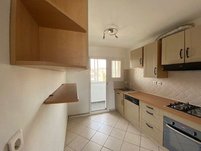 Appartement à louer 3 58m2 à La Seyne-sur-Mer vignette-2