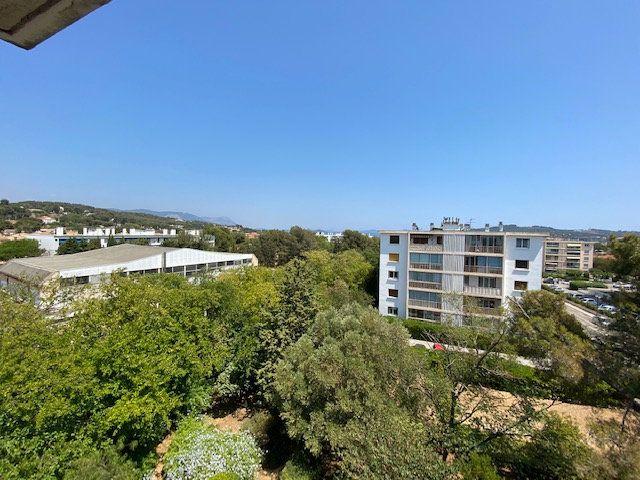 Appartement à louer 3 58m2 à La Seyne-sur-Mer vignette-3
