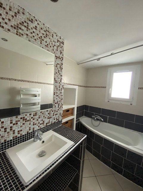 Appartement à louer 3 58m2 à La Seyne-sur-Mer vignette-4
