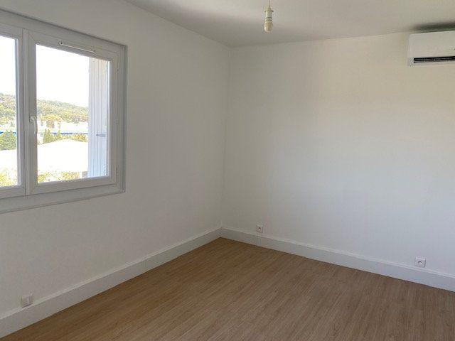 Appartement à louer 3 58m2 à La Seyne-sur-Mer vignette-5