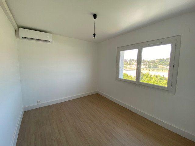 Appartement à louer 3 58m2 à La Seyne-sur-Mer vignette-6