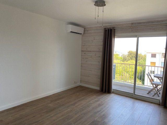 Appartement à louer 3 58m2 à La Seyne-sur-Mer vignette-7
