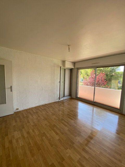 Appartement à louer 2 42.66m2 à La Seyne-sur-Mer vignette-2