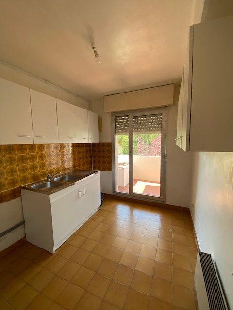 Appartement à louer 2 42.66m2 à La Seyne-sur-Mer vignette-3