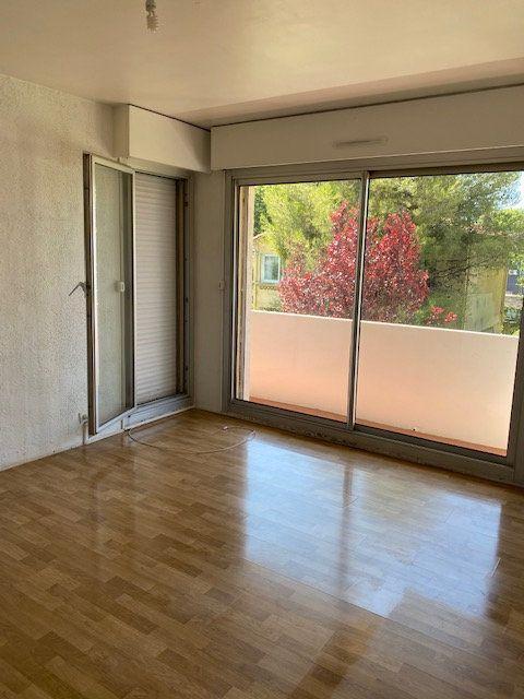 Appartement à louer 2 42.66m2 à La Seyne-sur-Mer vignette-6