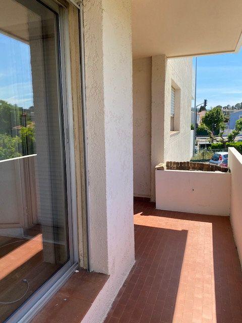 Appartement à louer 2 42.66m2 à La Seyne-sur-Mer vignette-7