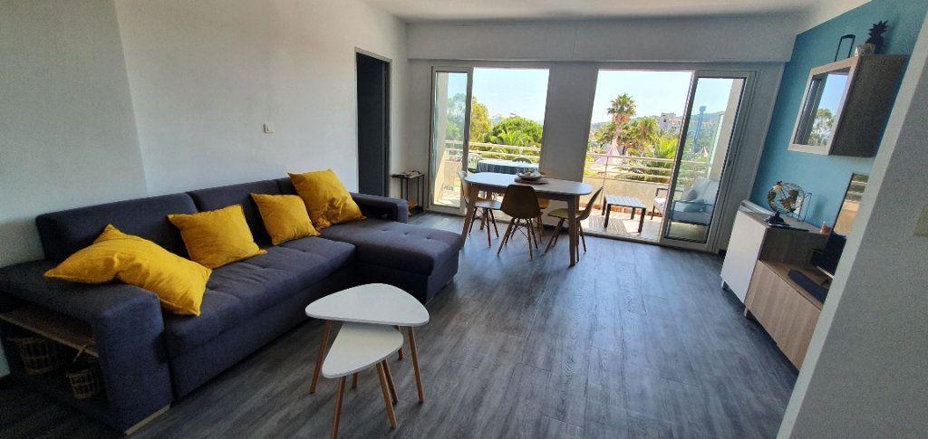 Appartement à louer 3 55m2 à La Seyne-sur-Mer vignette-1