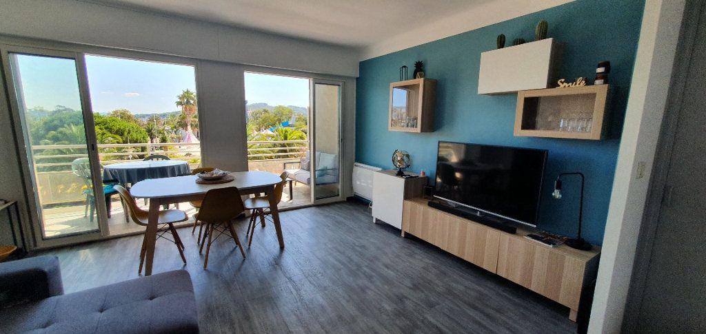 Appartement à louer 3 55m2 à La Seyne-sur-Mer vignette-2