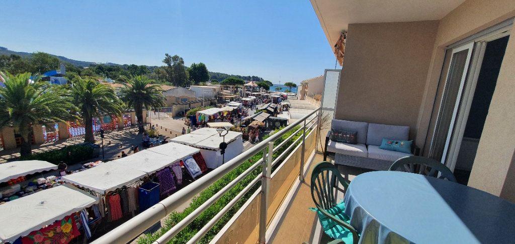 Appartement à louer 3 55m2 à La Seyne-sur-Mer vignette-4