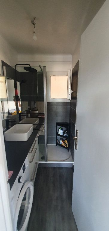 Appartement à louer 3 55m2 à La Seyne-sur-Mer vignette-6